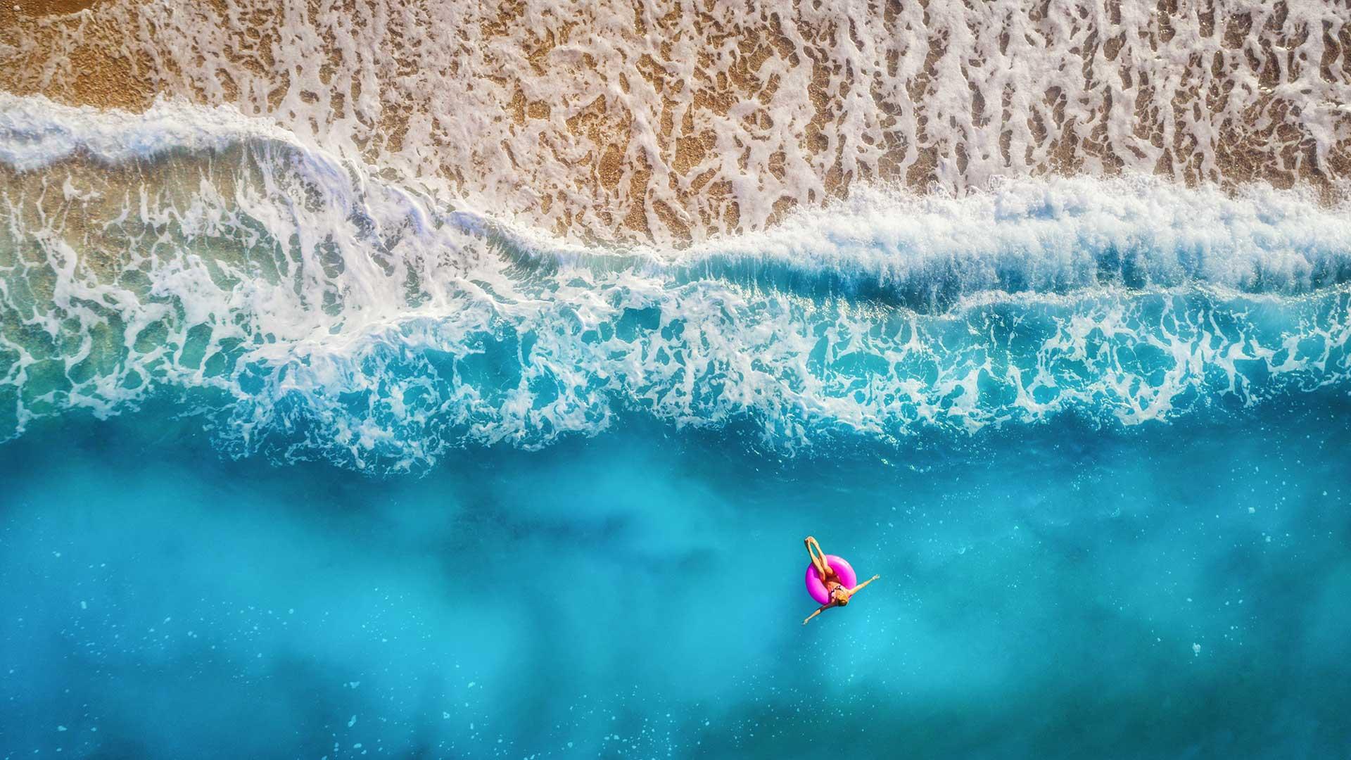 Beach Quiz : Win 2 x USD 100 Amazon Gift Vouchers
